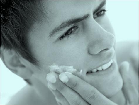 男性の見た目を若く保つ・若く見せる保湿方法について