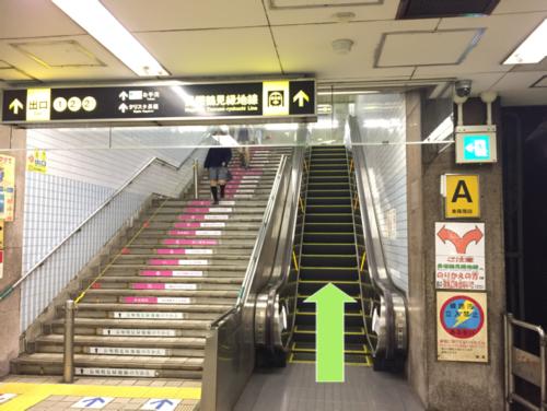 長堀橋駅A階段